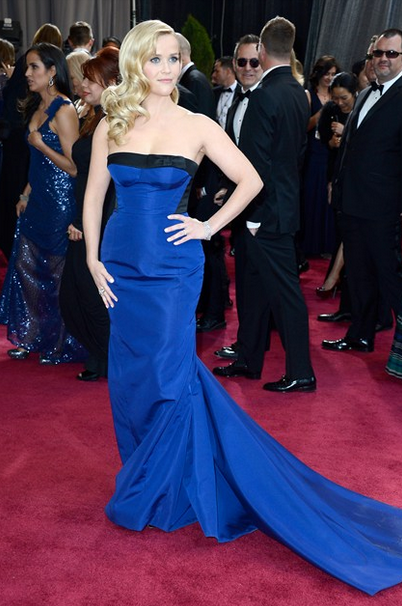 reese witherspoon louis vuitton cobalt blue gown