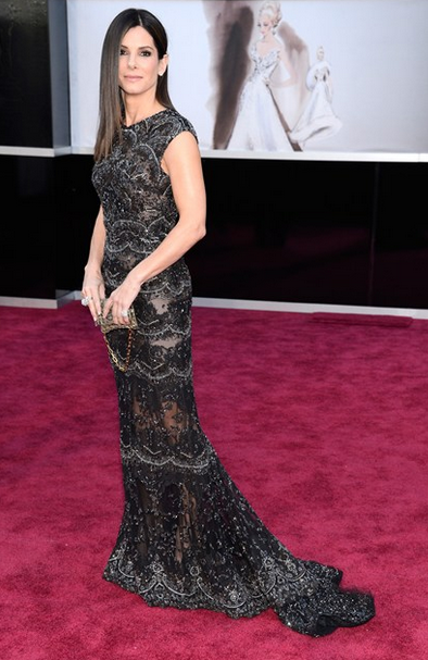 sandra bullock harry winston jewls with elie saab couture with beads and lace