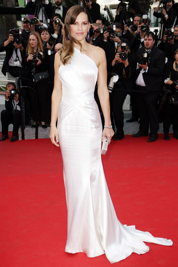 hilary swank atelier versace gown with chopard jimmy choo cluth