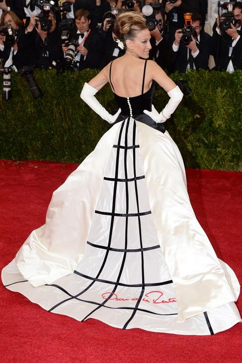 Sarah Jessica Parker custom made Oscar de la Renta